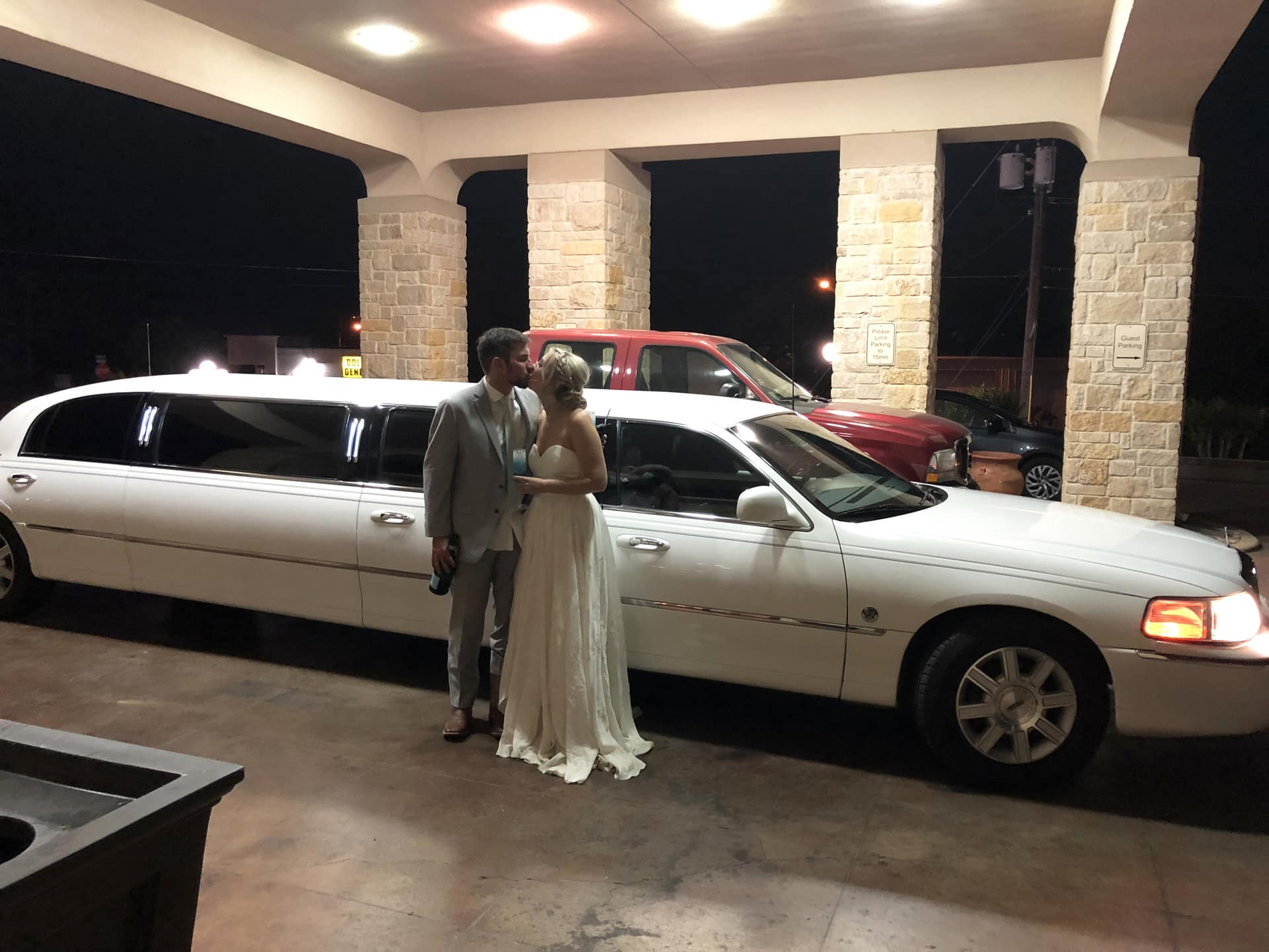 Wedding limo rental Fredericksburg